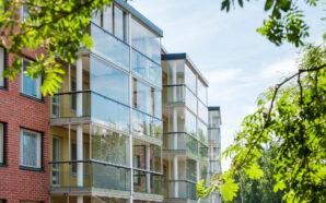 Zabudowa balkonowa – kiedy warto się na nią zdecydować?