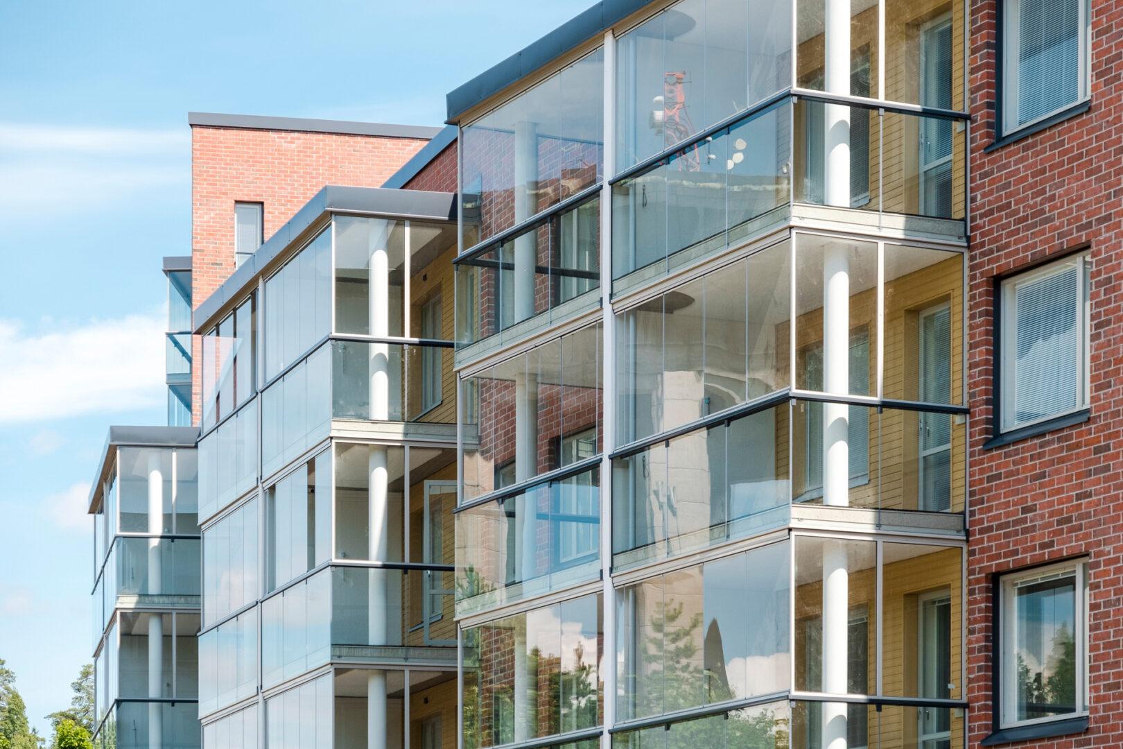 bezramowa zabudowa balkonu Lumon 6